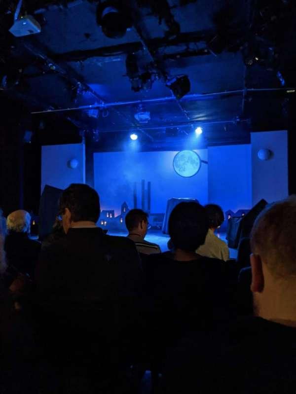 St. Luke's Theatre, secção: ORCH, fila: E, lugar: 13