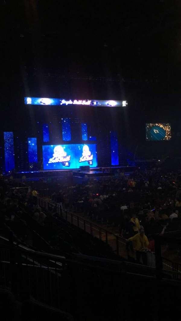 The O2 Arena, secção: 104, fila: L, lugar: 140
