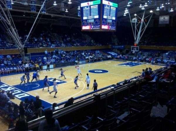 Cameron Indoor Stadium, secção: 13, fila: E
