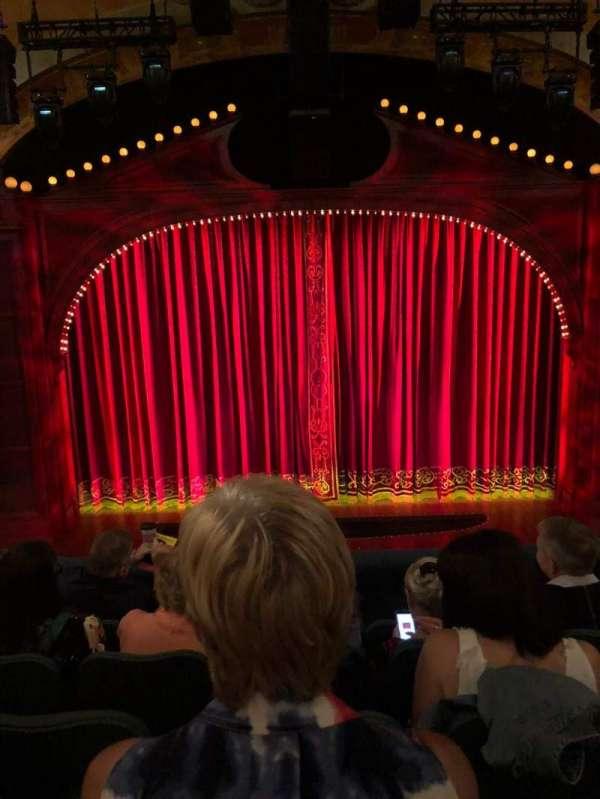 Shubert Theatre, secção: Mezzanine C, fila: E, lugar: 108