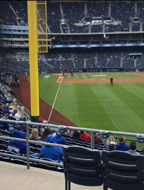 Kauffman Stadium, secção: 249, fila: AA, lugar: 9