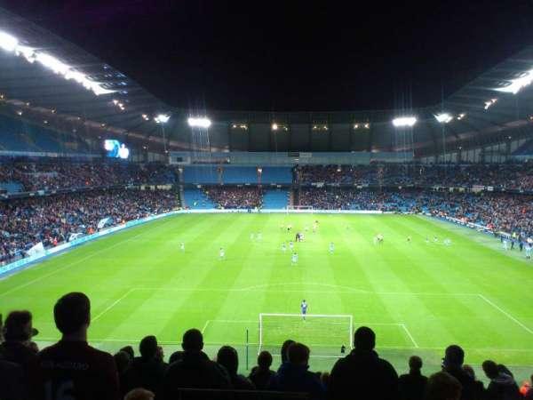 Etihad Stadium (Manchester), secção: 237, fila: R, lugar: 1025
