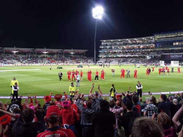 Edgbaston Cricket Ground, secção: 08B