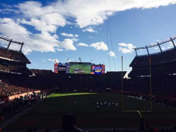 Empower Field at Mile High Stadium, secção: 115, fila: 25, lugar: 8