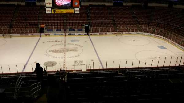 Joe Louis Arena, secção: 207, fila: 13, lugar: 15