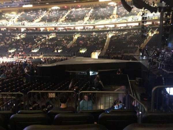 Madison Square Garden, secção: 109, fila: 6, lugar: 8