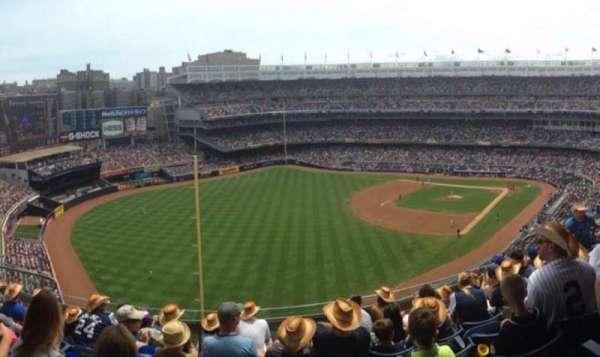 Yankee Stadium, secção: 432A, fila: 7, lugar: 8