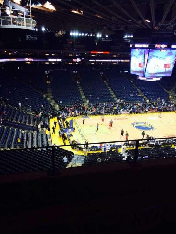 Oakland Arena, secção: 203, fila: 3, lugar: 3