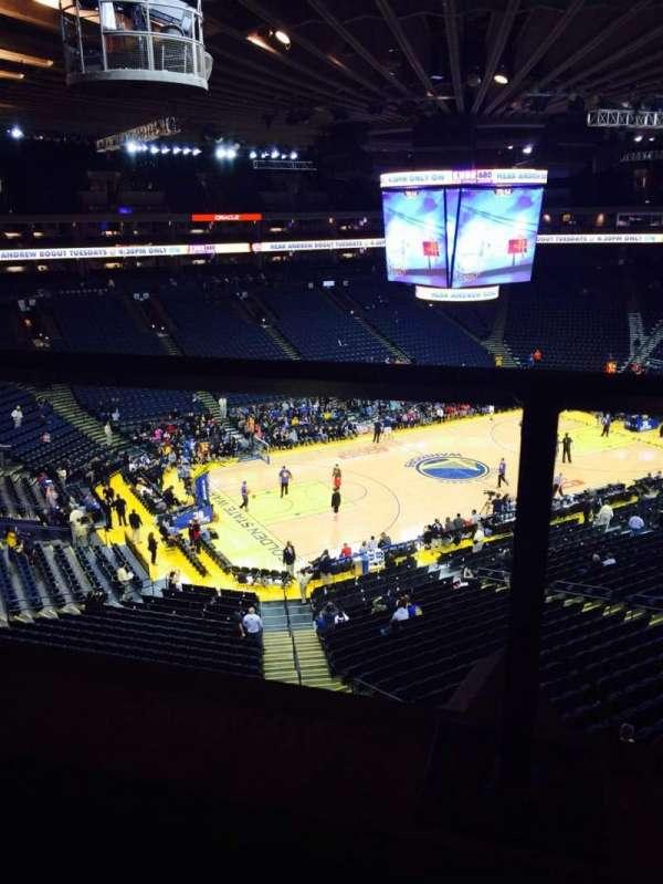 Oakland Arena, secção: 204, fila: 1, lugar: 4