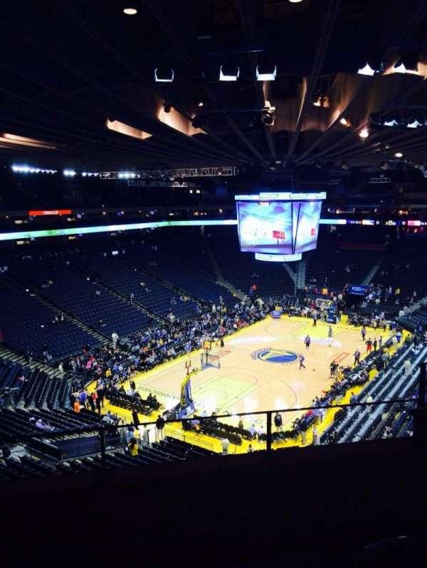 Oakland Arena, secção: 206, fila: 2, lugar: 3