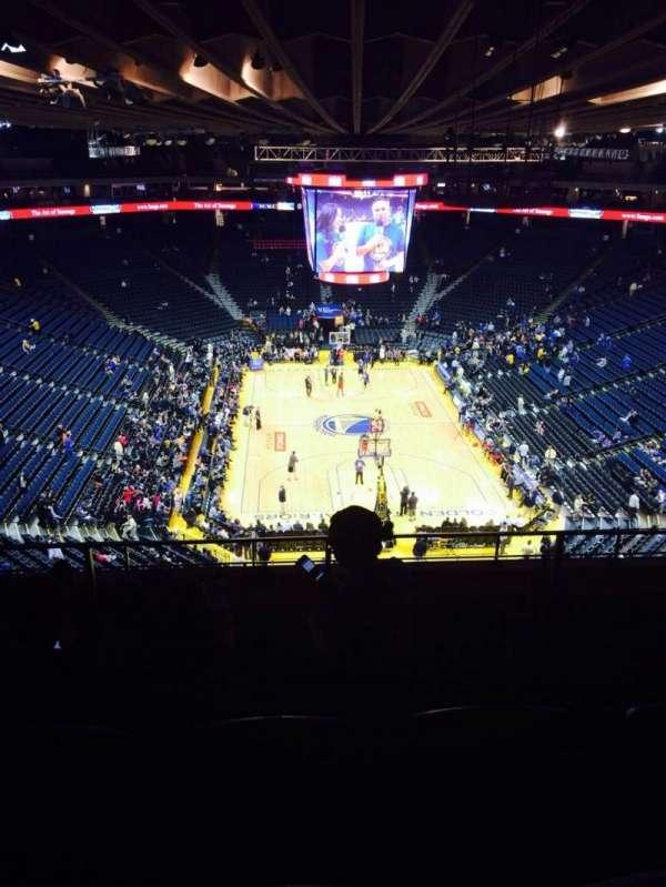Oakland Arena, secção: 209, fila: 8, lugar: 9