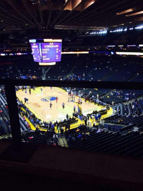 Oakland Arena, secção: 211, fila: 1, lugar: 5