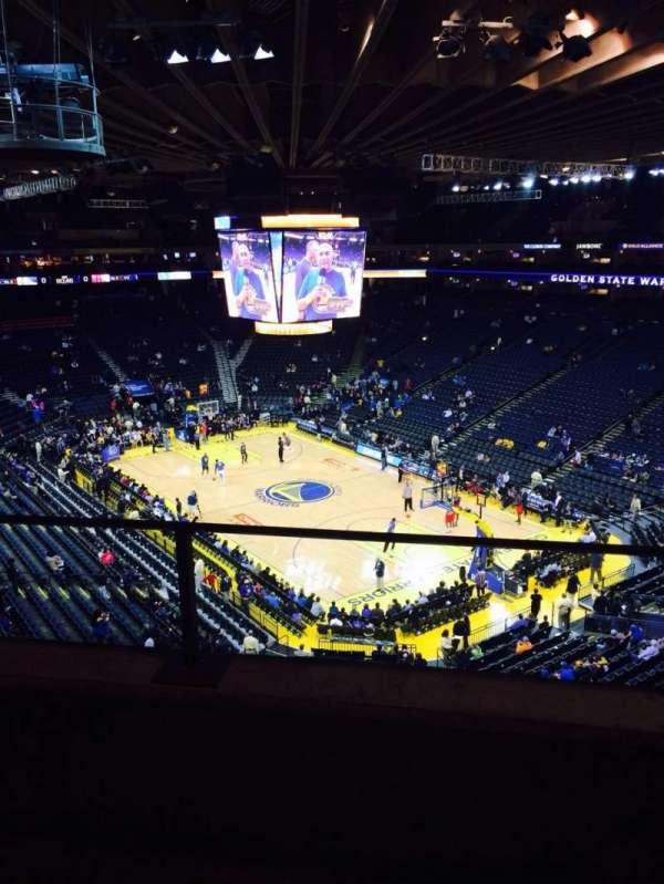Oakland Arena, secção: 212, fila: 2, lugar: 6