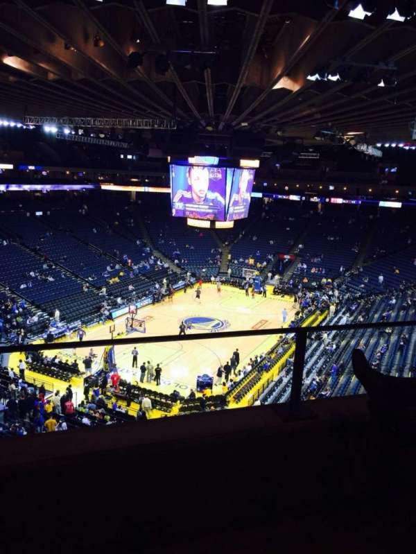 Oakland Arena, secção: 222, fila: 2, lugar: 5