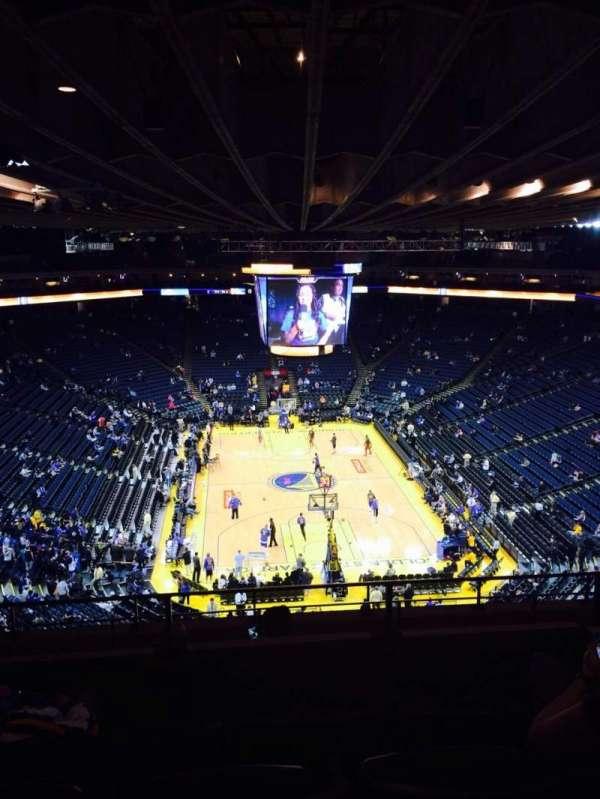 Oakland Arena, secção: 225, fila: 8, lugar: 6