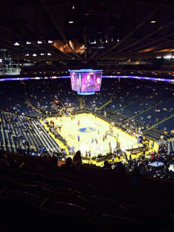 Oakland Arena, secção: 227, fila: 8, lugar: 6