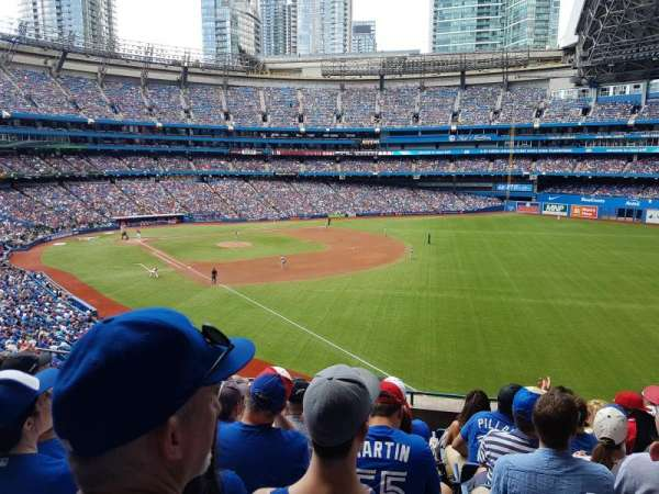 Rogers Centre, secção: 212R, fila: 9, lugar: 10 and 11