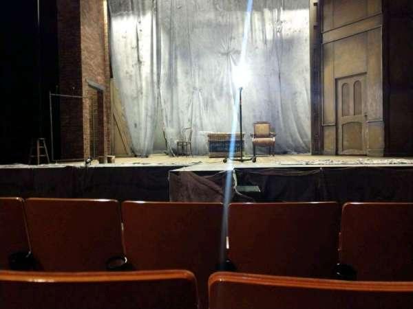 Allen Theatre, secção: Orchestra, fila: E, lugar: 208