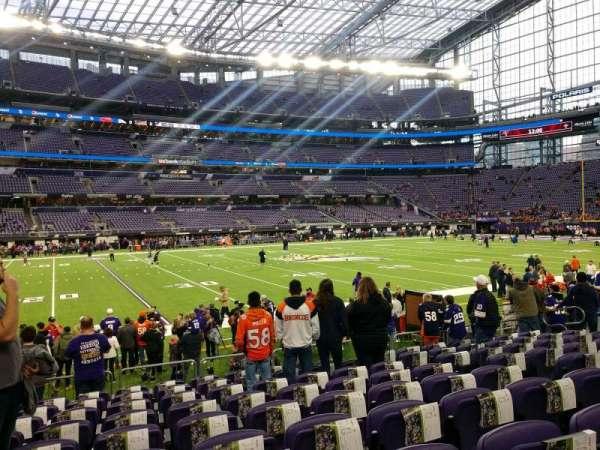 U.S. Bank Stadium, secção: 111, fila: 9, lugar: 7