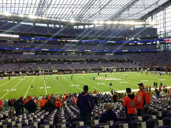 U.S. Bank Stadium, secção: 111, fila: 18, lugar: 7