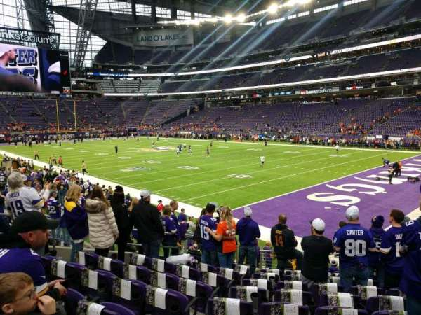 U.S. Bank Stadium, secção: 124, fila: 12, lugar: 9