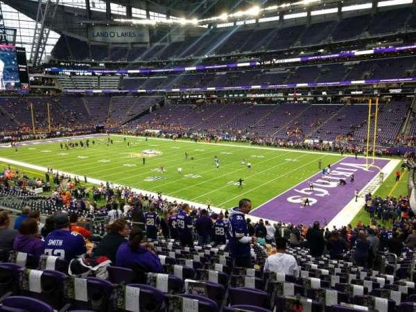 U.S. Bank Stadium, secção: 124, fila: 32, lugar: 32