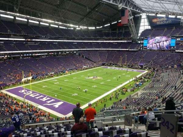 U.S. Bank Stadium, secção: 242, fila: 12, lugar: 5