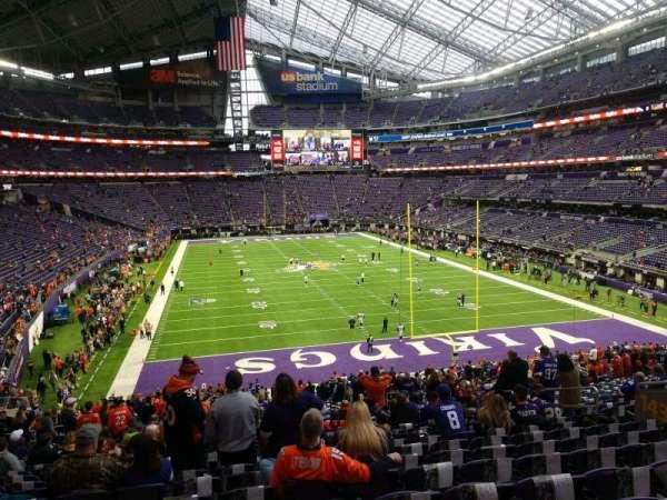 U.S. Bank Stadium, secção: 143, fila: 36, lugar: 11