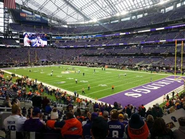 U.S. Bank Stadium, secção: 103, fila: 22, lugar: 11