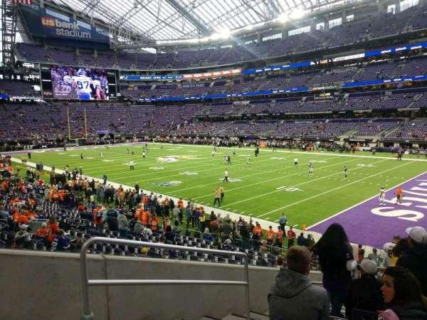 U.S. Bank Stadium, secção: 103, fila: 17, lugar: 23