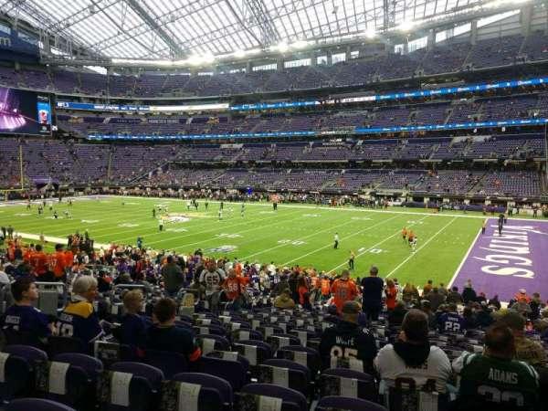 U.S. Bank Stadium, secção: 105, fila: 24, lugar: 8