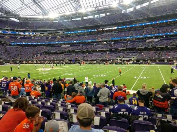 U.S. Bank Stadium, secção: 106, fila: 9, lugar: 6