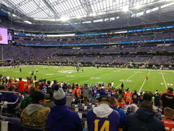 U.S. Bank Stadium, secção: 106, fila: 14, lugar: 17