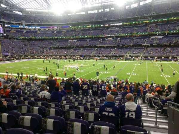 U.S. Bank Stadium, secção: 107, fila: 23, lugar: 1