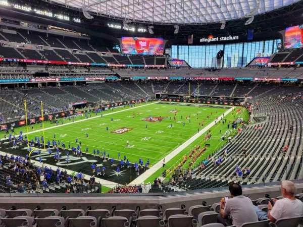 Allegiant Stadium, secção: 221, fila: 7, lugar: 10