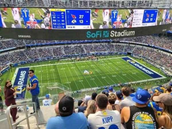 SoFi Stadium, secção: 538, fila: 8, lugar: 24