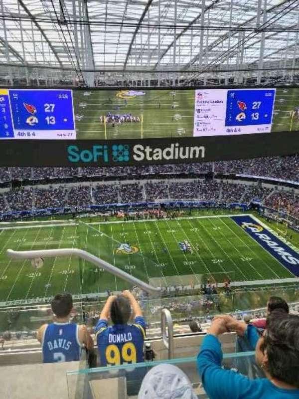 SoFi Stadium, secção: 540, fila: 4, lugar: 27