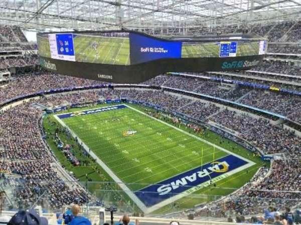 SoFi Stadium, secção: 549, fila: 3, lugar: 4