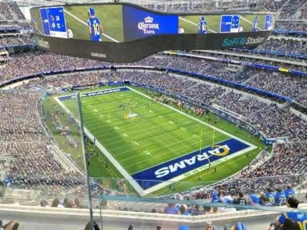 SoFi Stadium, secção: 551, fila: 1, lugar: 14