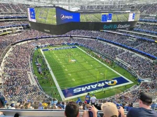 SoFi Stadium, secção: 552, fila: 3, lugar: 4