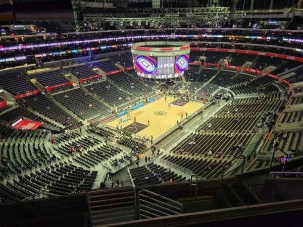 Staples Center, secção: 323, fila: 8, lugar: 8