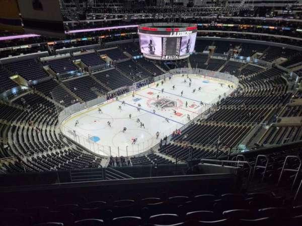 Staples Center, secção: 323, fila: 10, lugar: 6