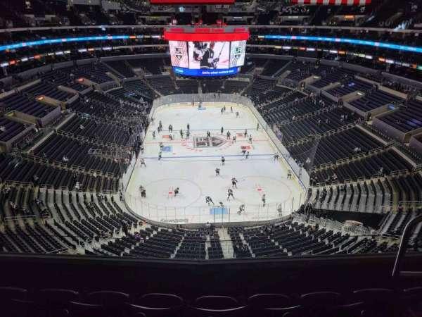 Staples Center, secção: 327, fila: 4, lugar: 4