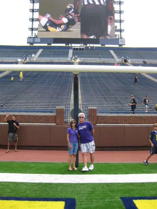 Michigan Stadium, secção: Field