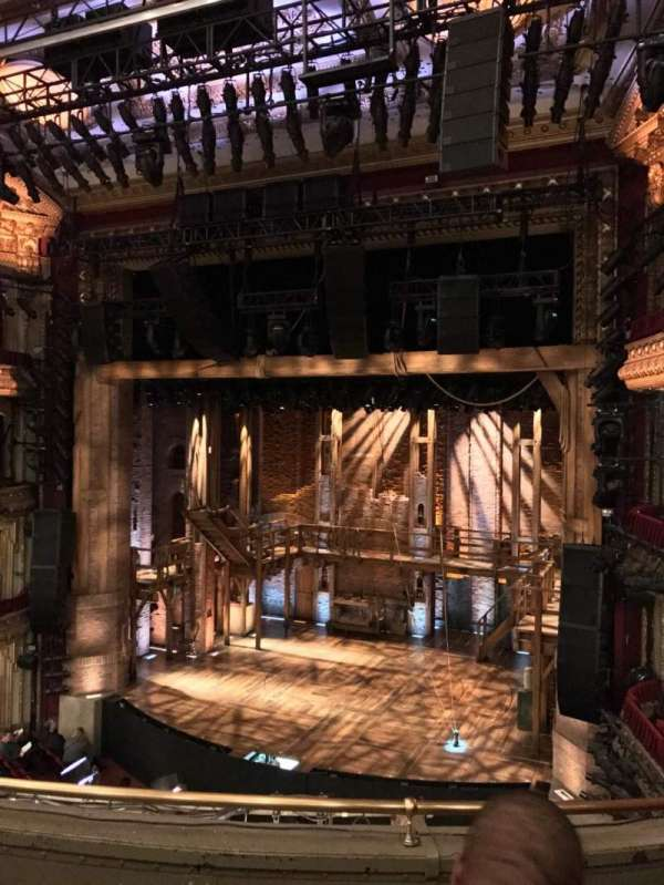 CIBC Theatre, secção: Mezzanine R, fila: D, lugar: 2