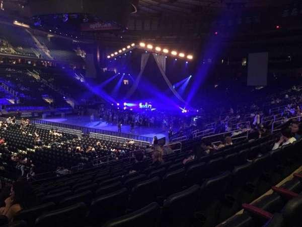Madison Square Garden, secção: 105, fila: 16, lugar: 1
