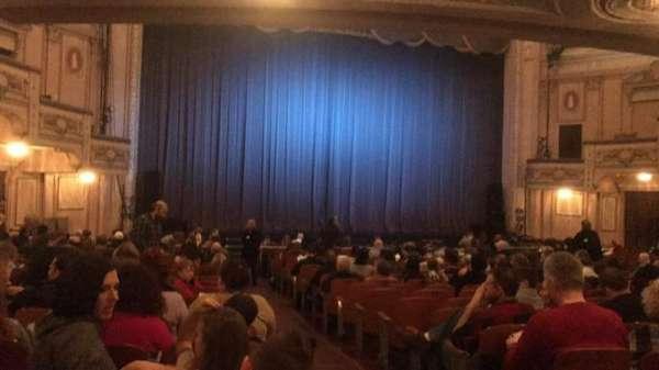 Merriam Theater, secção: Orchestra, fila: T, lugar: 1