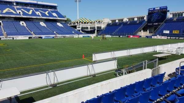 Navy-Marine Corps Memorial Stadium, secção: 4, fila: E, lugar: 1