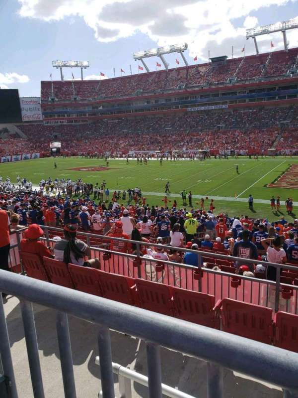 Raymond James Stadium, secção: 239, fila: A