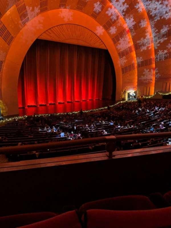Radio City Music Hall, secção: 1st Mezzanine 7, fila: BB, lugar: 710